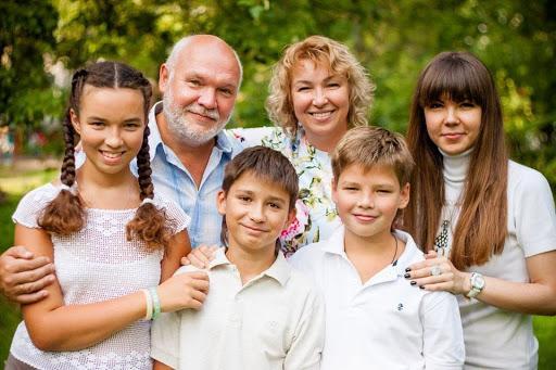 Семья Гелии